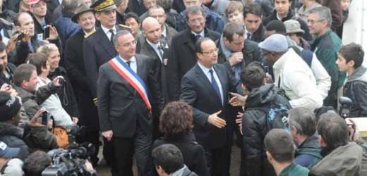 François Hollande en visite à Val-de-Reuil