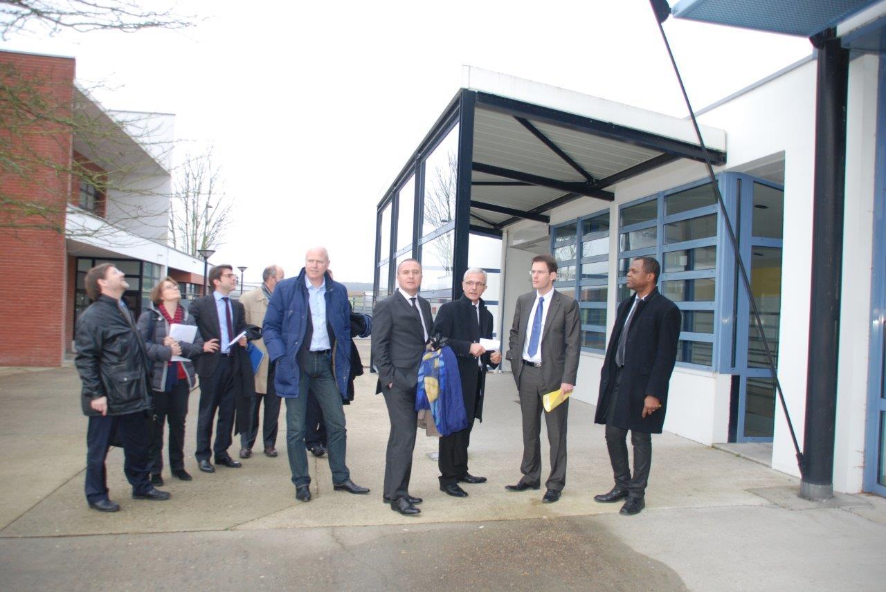 Val-de-Reuil : le Président de la Région choisit Val-de-Reuil pour son premier déplacement 2014 sur le thème de l'éducation