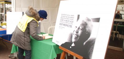 Le registre en hommage à Nelson Mandela sera transmis à sa famille