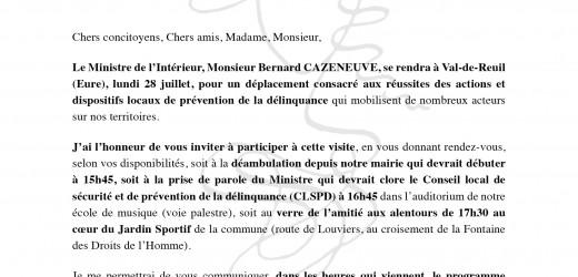 Bernard Cazeneuve, Ministre de l'Intérieur, à Val-de-Reuil le 28 juillet