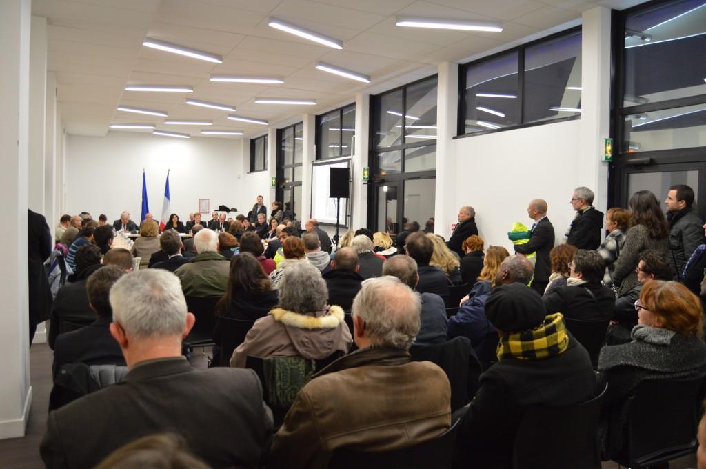 Présentation par le Maire de Val-de-Reuil des opérations de l'ANRU dans les locaux du nouvel Hôtel d'Entreprises des 4 Soleils