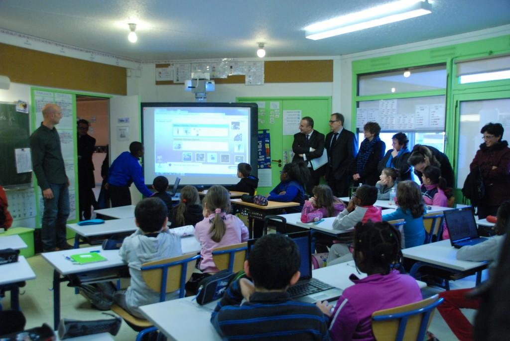 English for school à l'école des Dominos