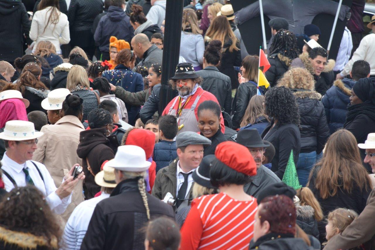 Carnaval : un tableau impressionniste et bigarré