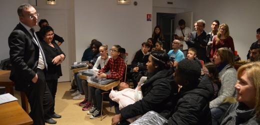 Egalité des chances : Val-de-Reuil offre 8 ordinateurs à de jeunes rolivalois méritants