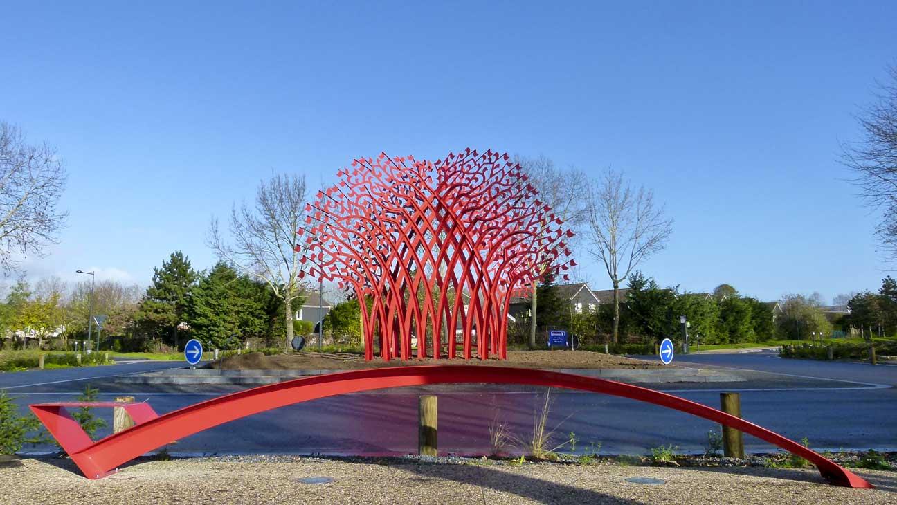 Beauté et sécurité : au carrefour chaussée du Parc/route des Sablons, l'arbre de Zimmermann