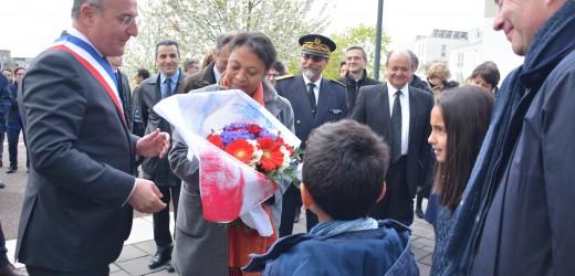 Hélène Geoffroy, secrétaire d'Etat à la Ville, en déplacement à Val-de-Reuil