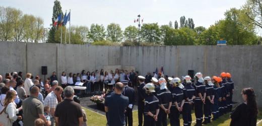 Commémoration du 8 mai 1945 au monument Mémoire et Paix : retour en images