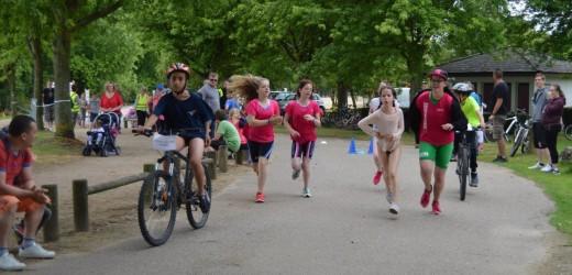 Triathlon à la base de loisirs pour 150 écoliers rolivalois