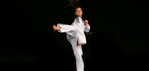 Marwa, 13 ans, championne de taekwendo !
