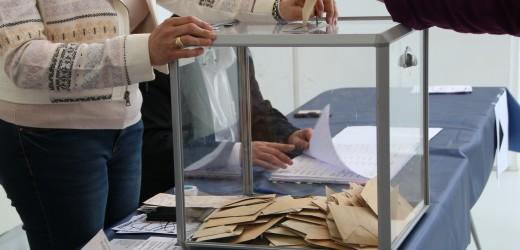 Législatives : soirée électorale à l'école Louise Michel