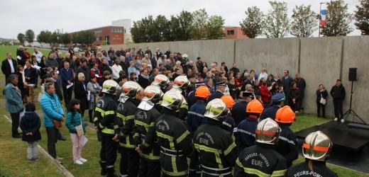 8 mai : l'émotion au monument Mémoire et Paix