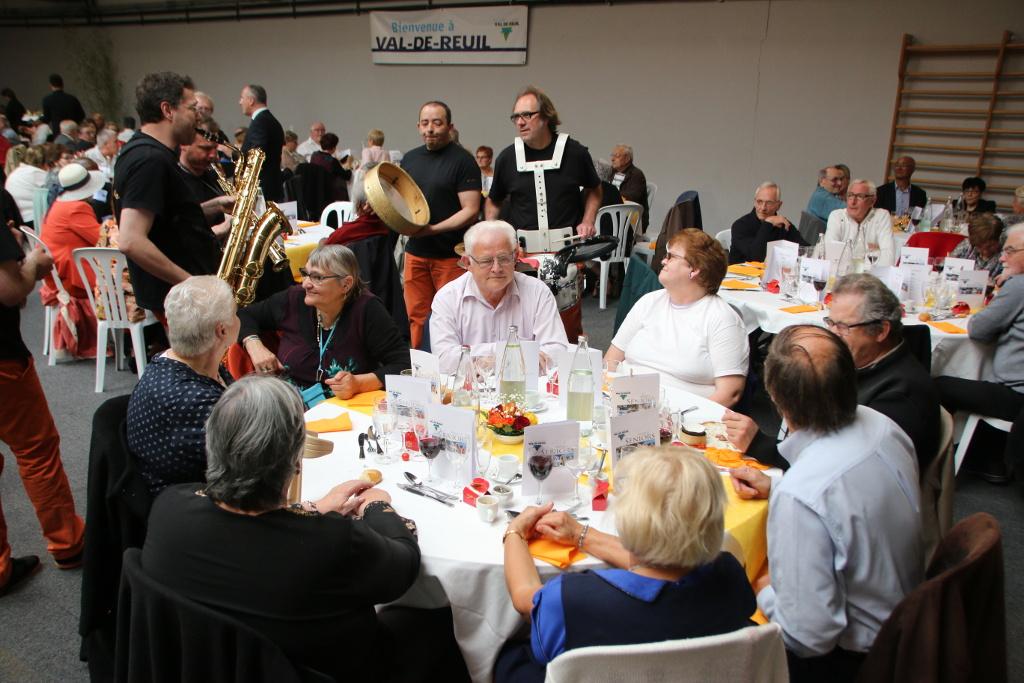 Les doyens à l'honneur au repas des aînés