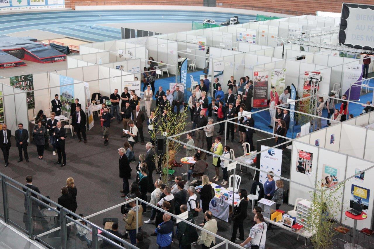 Tous les ans le Forum de l'emploi se tient au mois d'avril.