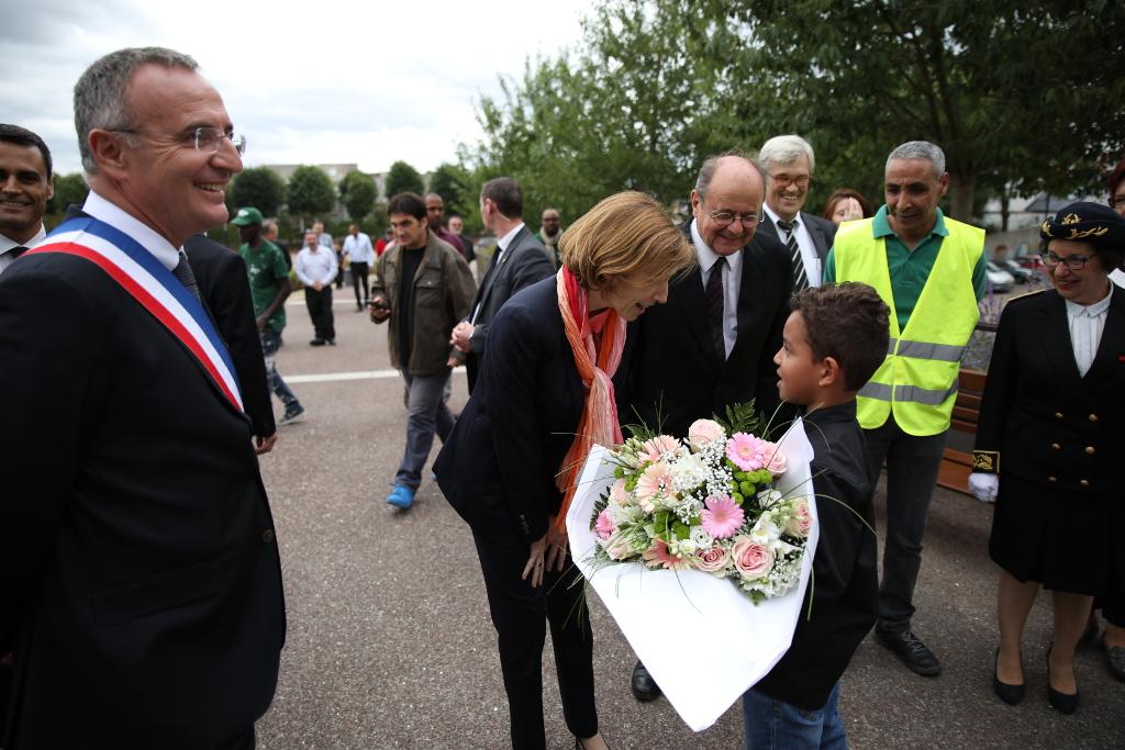Visite de Florence Parly Ministre des Armées - accueil républicain et fleuri