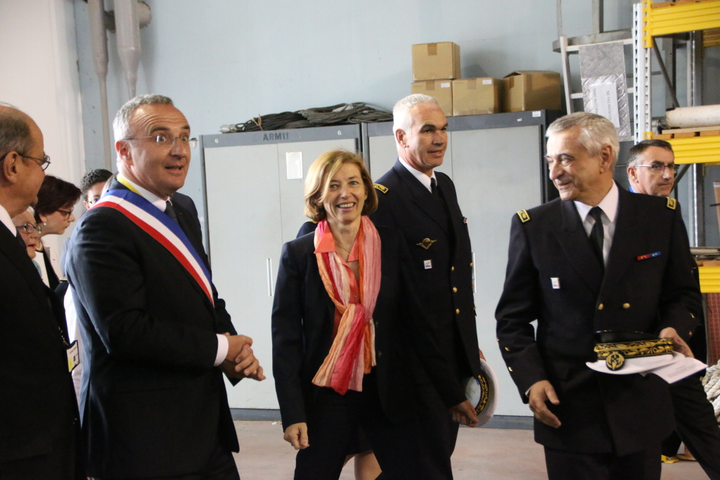 sa première partie d'après-midi était consacrée à la visite du bassin d'essais des Carènes, l'un des huit centres français d'expertise de la direction générale de l'Armement
