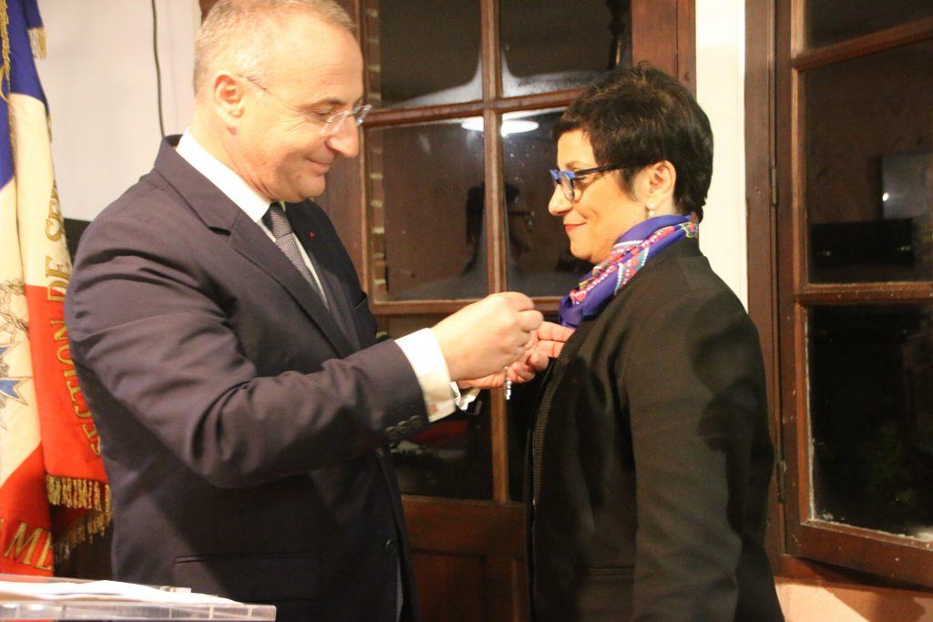 Marc-Antoine Jamet lui a remis les insignes de chevalier de l'ordre national du mérite