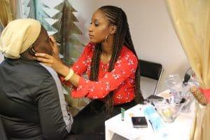 Atelier maquillage avec Carole Sarrazin, en service civique à la mission locale