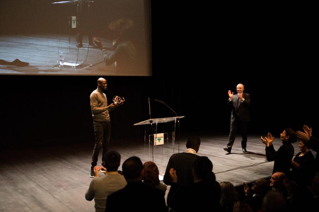 Hervé Lofidi ovationné par le public