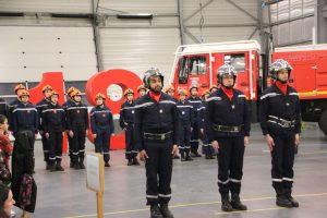 Le centre de secours, c'est 33 pompiers professionnels et 59 volontaires