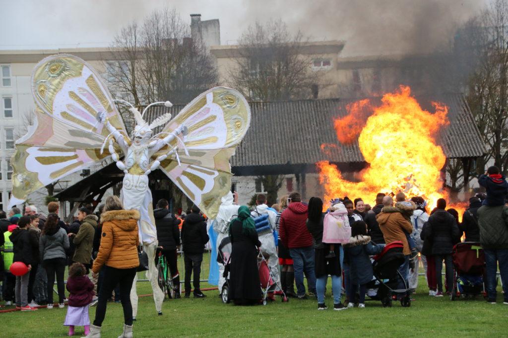 Monsieur Carnaval brûlé sur la plaine Saint-Jean