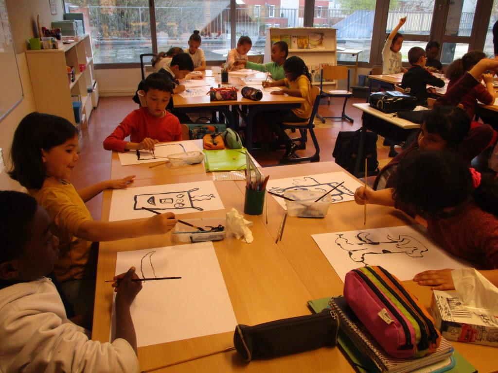 Travail des élèves à l'encre de chine