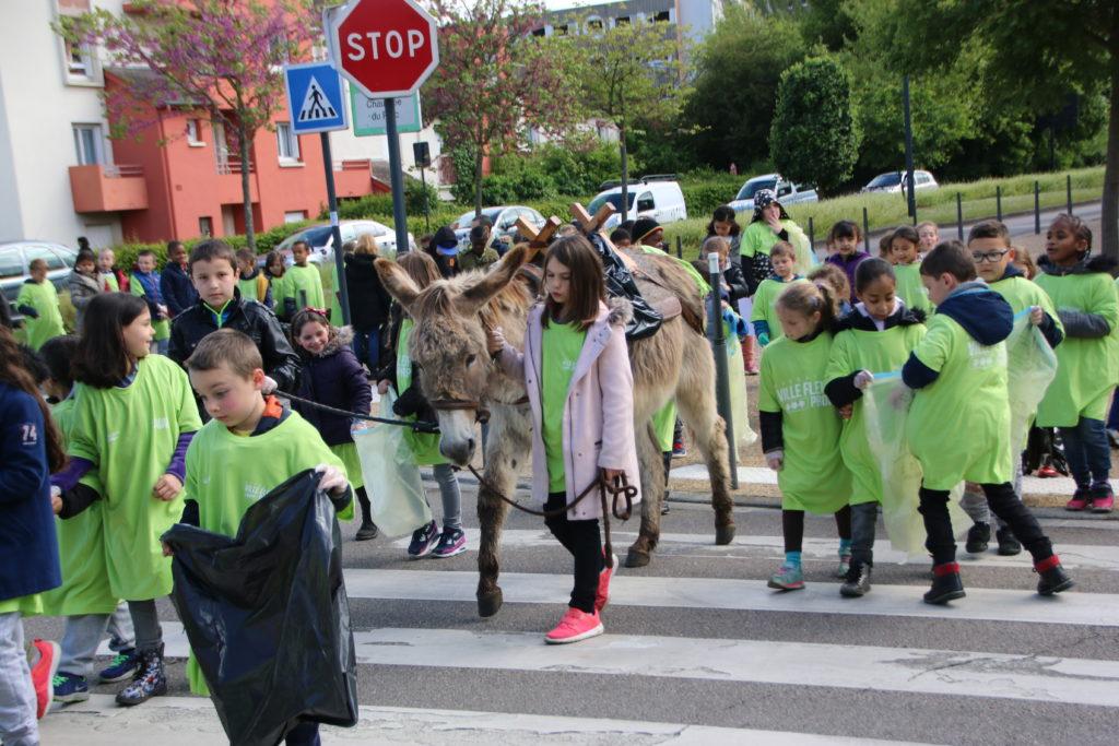 700 enfants dans les rues de la ville vendredi matin