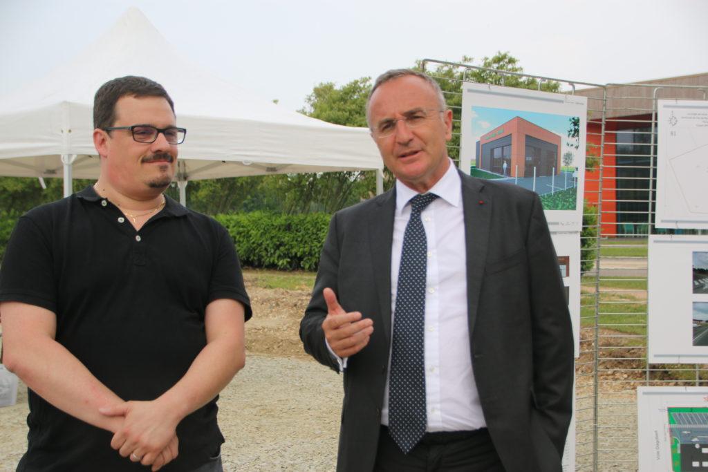 Vincent Thiry (à gauche) est le futur propriétaire de la boulangerie