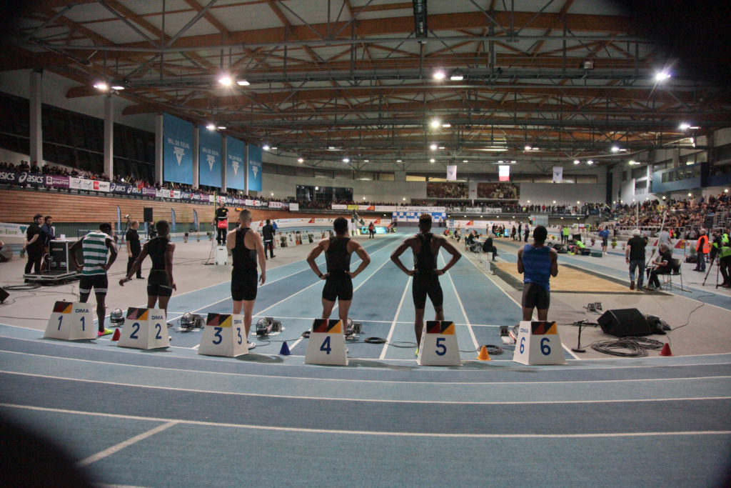 Le stade couvert Jesse Owens en configuration de meeting international