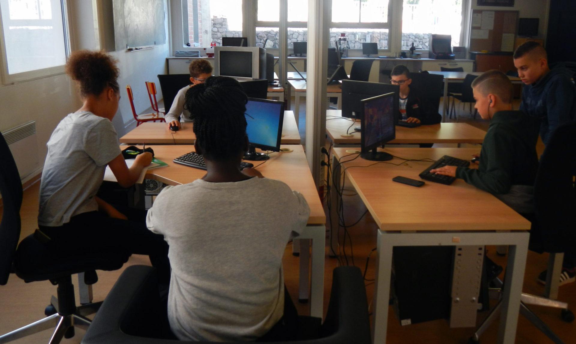 Cyberbase : un cyber espace pour tous ouvert pendant les vacances de la Toussaint
