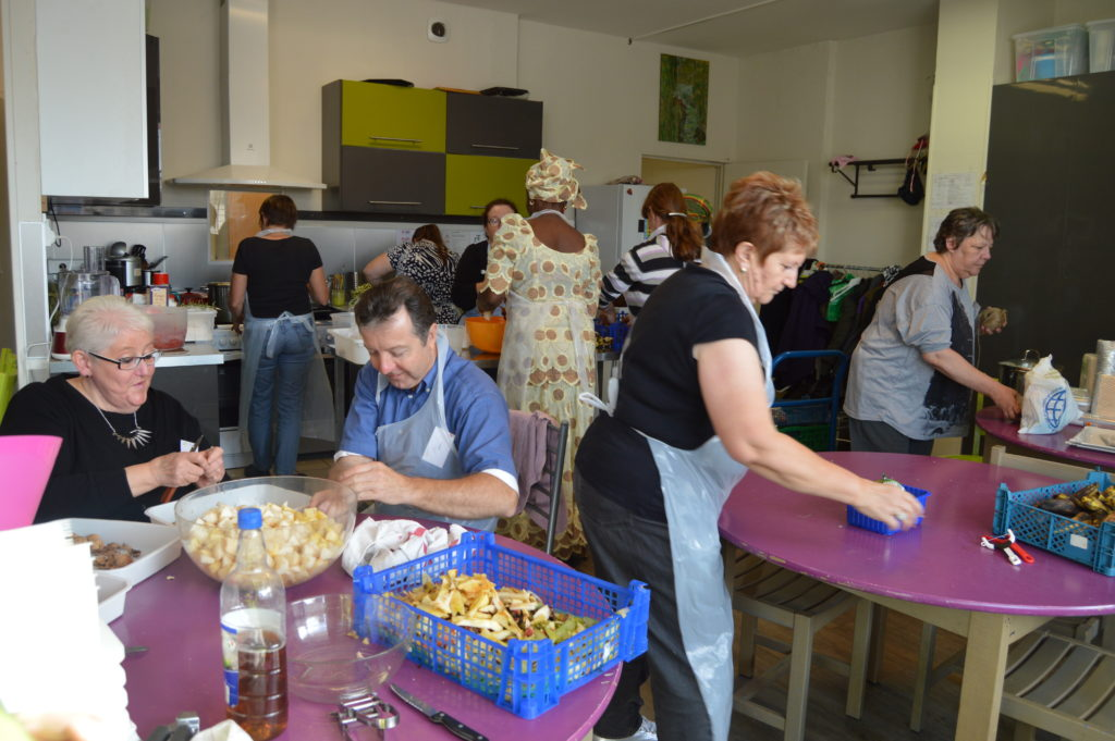 Atelier culinaire à l'épicerie sociale Epireuil