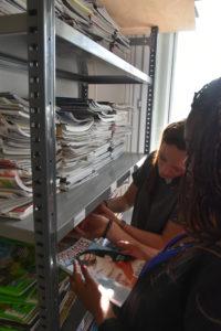Nous confectionnons des sacs/cabas à partir, principalement, de matières recyclées