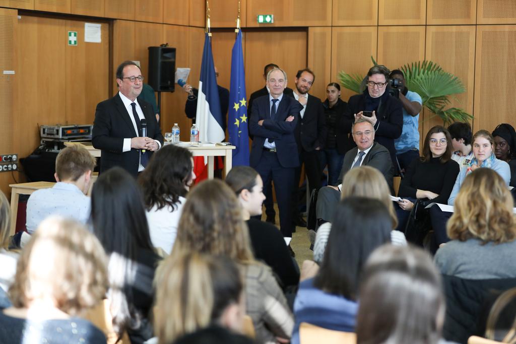 François Hollande à la rencontre des lycéens de Marc Bloch