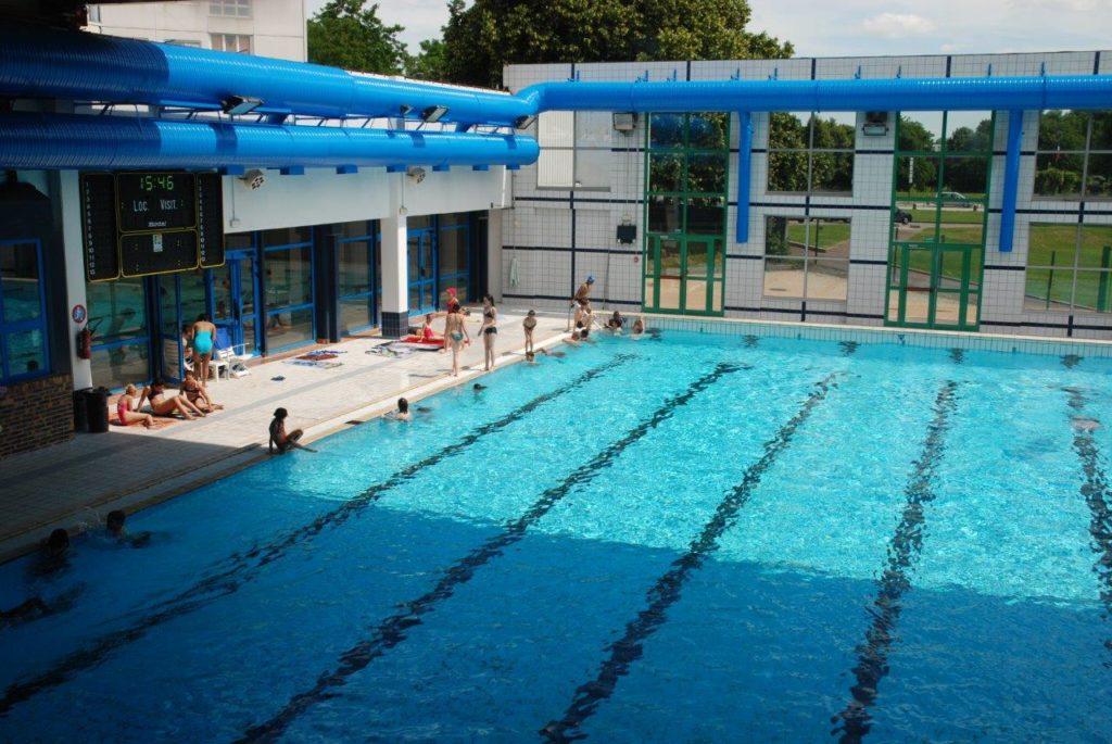 La piscine ouverte jusqu'à 21H tous les soirs cette semaine