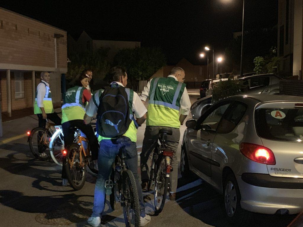 Au contact de tous… c'est le principe de cette ronde nocturne. Plusieurs occupants de voitures à l'arrêt dans les quartiers sont interpellés par le maire.
