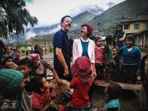 C'est au coeur des villages de montagne que les deux clowns ont offert leur spectacle