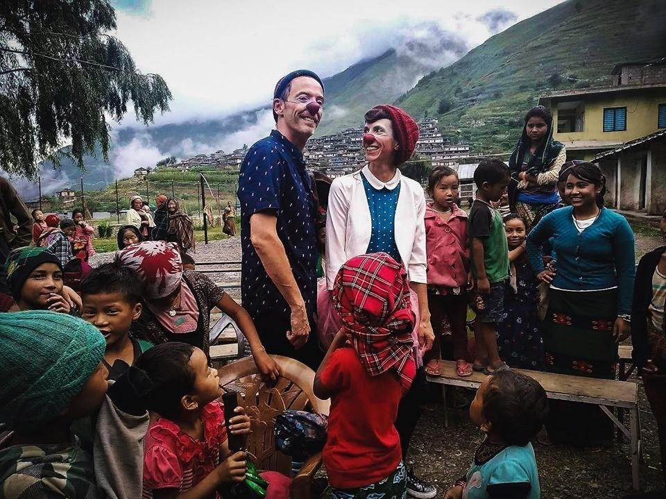 Nos clowns rolivalois sèment la joie auprès des enfants du Népal !