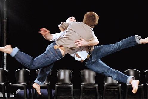 """""""Chute ! """" Matthieu Gary et Sidney Pin – Compagnie La Volte au théâtre de l'Arsenal"""