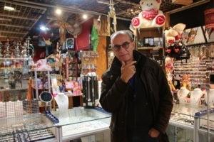 Amoureux des bijoux, Thierry Lechevalier a ouvert sa boutique Clip'In en 1989