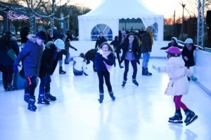 La patinoire en plein air sera accessible à tous, gratuitement