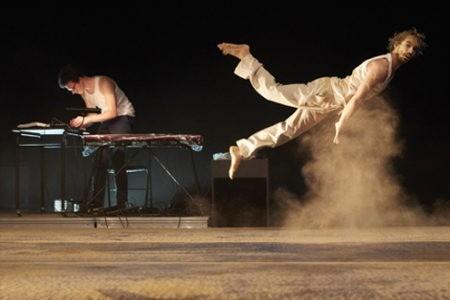 """Théâtre de l'Arsenal – """"Cabaret acrobatique"""", Etienne Rochefort / Jann Gallois / Karim Messaoud"""