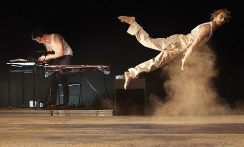 Théâtre de l'Arsenal – «Cabaret acrobatique», Etienne Rochefort / Jann Gallois / Karim Messaoud