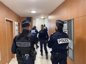 Opération conjointe dans les halls d'immeuble avec la police nationale.