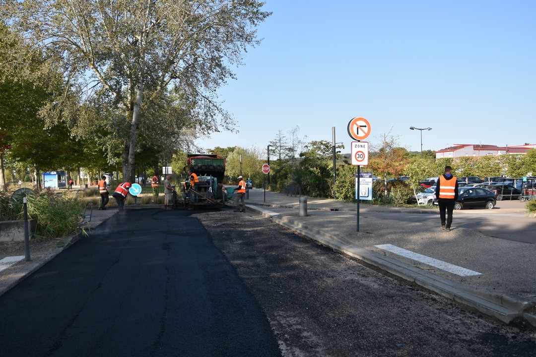 Modification temporaire de l'accès à la Place des 4 Saisons jusqu'à  15h00