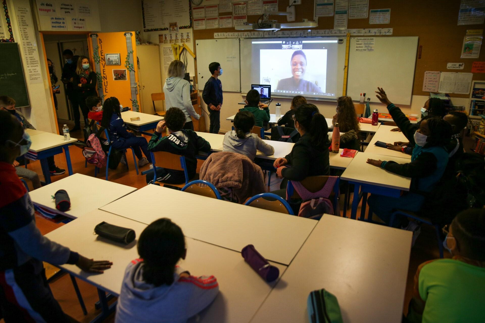 Semaine Olympique et Paralympique : Emilie Gomis à la rencontre des élèves de l'école Pivollet