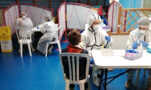 Des salles aménagées pour effectuer les tests dans les écoles