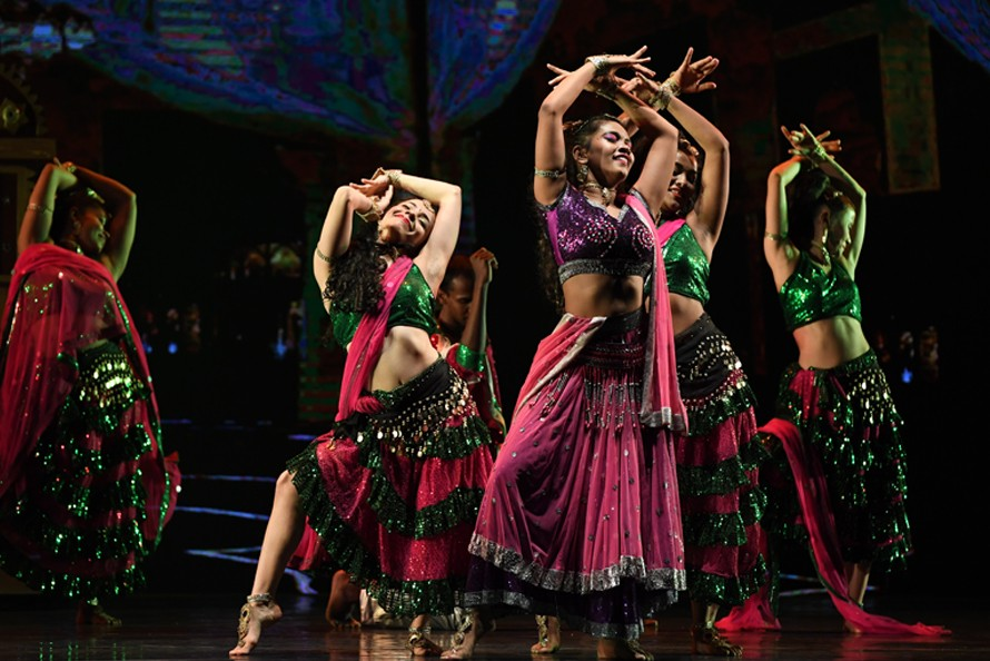 """Théâtre de l'Arsenal : """"A Passage to Bollywood"""", Navdhara India Dance Theater"""