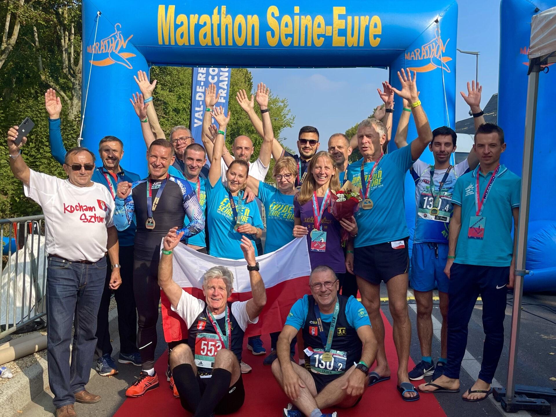 Les amis polonais de Sztum brillent sur la ligne d'arrivée du Marathon